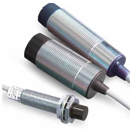 Induktiv givare M18, PNP, NO+NC, känselavstånd 8mm, 10-30VDC