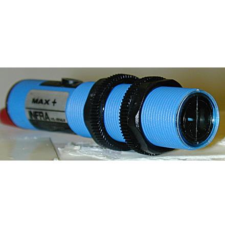 FOTOCELL M18x1 NO. 24-230 VAC MOT REFLEKTOR 0-100cm, POLARISERAD, TRIAC UTGÅNG