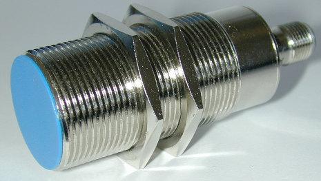 Induktiv givare M30, NPN, känselavstånd 15mm, 10-30VDC, K-kontakt