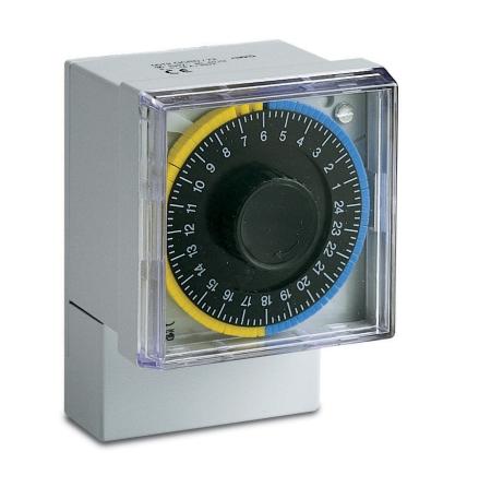 Kopplingsur 0012/D15, digitalt dygnsur, 72x72mm, 230VAC